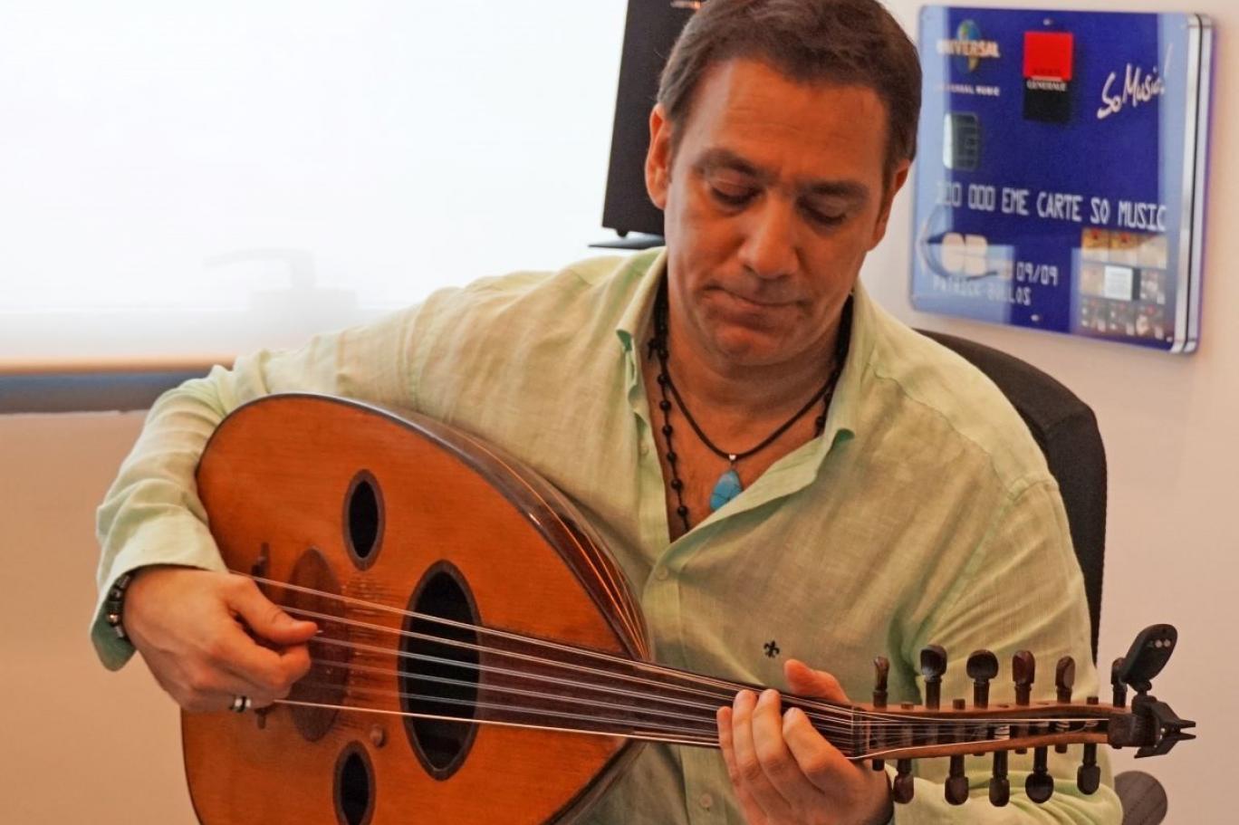 0198ba041 أضحك أمام الناس على الرغم من أوجاعي، ولا يوجد موسيقي عربي يعزف خمس ساعات  يومياً