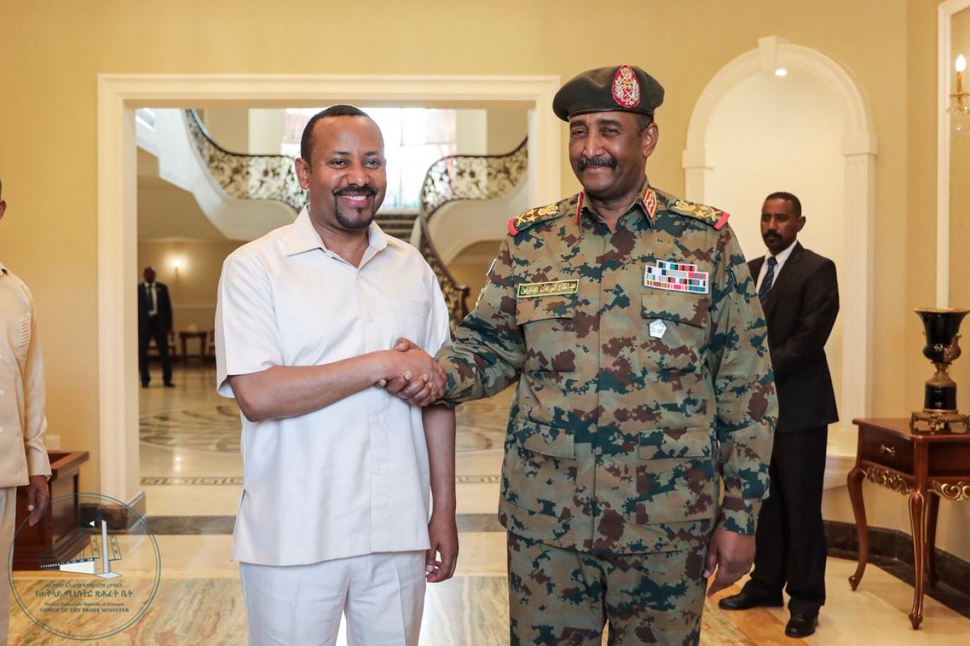 نتيجة بحث الصور عن البرهان والرئيس الأثيوبي