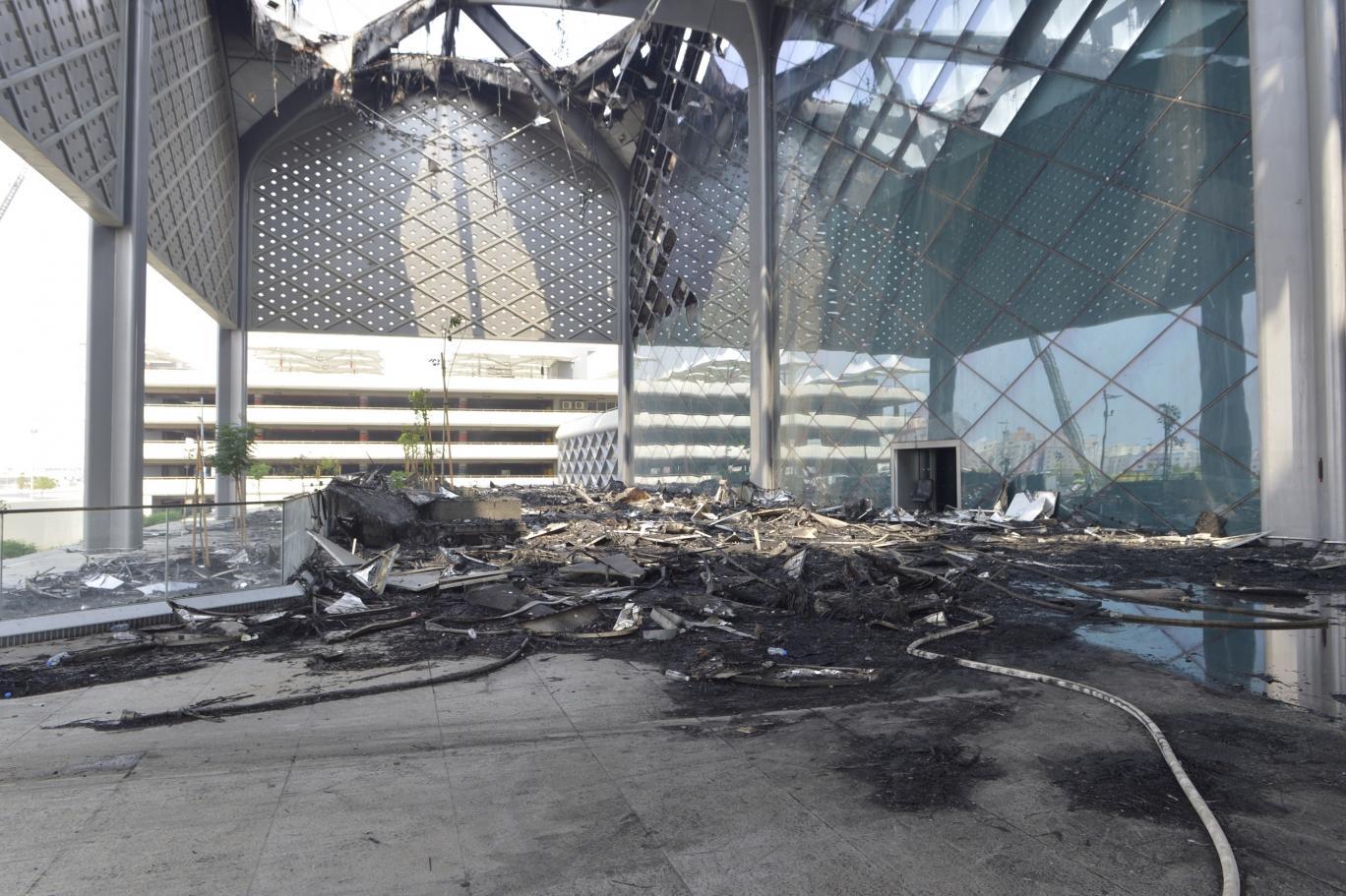 بدء التحقيق في حريق قطار الحرمين وتساؤلات حول ترسية المشروع