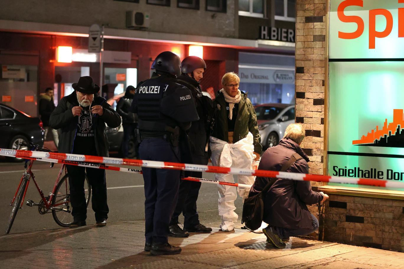 مقتل 9 أشخاص في إطلاق نار قرب فرانكفورت