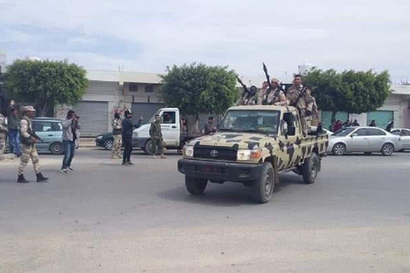 كاميرات المواطنين تواكب تحرك الكتيبة 107 في صرمان.jpg