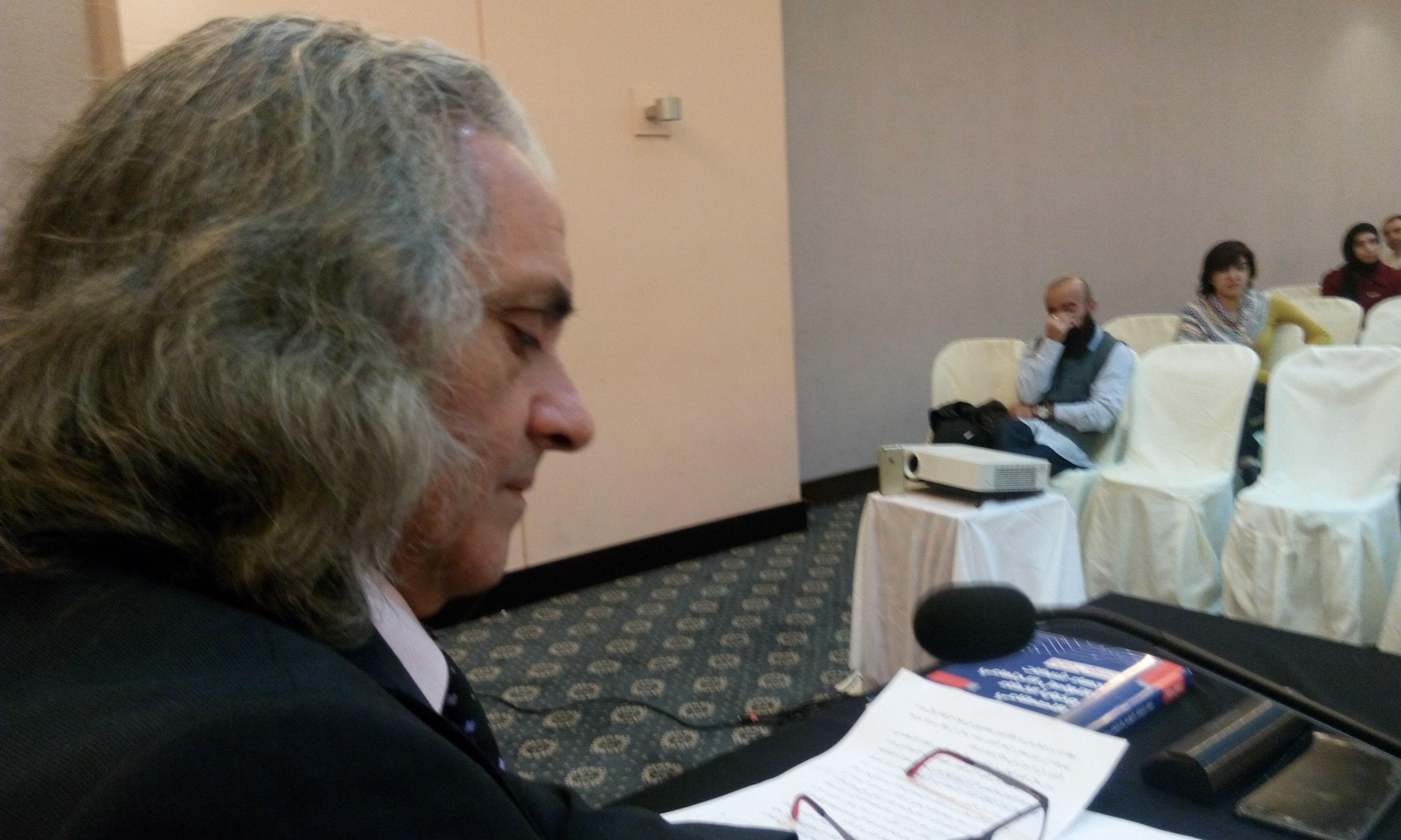 مؤلف الكتاب الدكتور غسان مراد