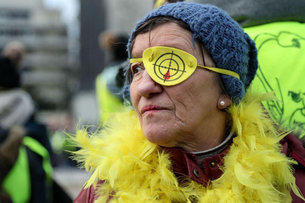 صورة لمحتجة فرنسية تشارك في اجتجاجات السترات الصفراء في باريس, 02-02-2019. (أ.ف.ب.)