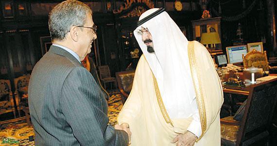 صورة تجمع الأمين العام الأسبق للجامعة العربية مع الملك السعودي الراحل عبد الله بن عبد العزيز