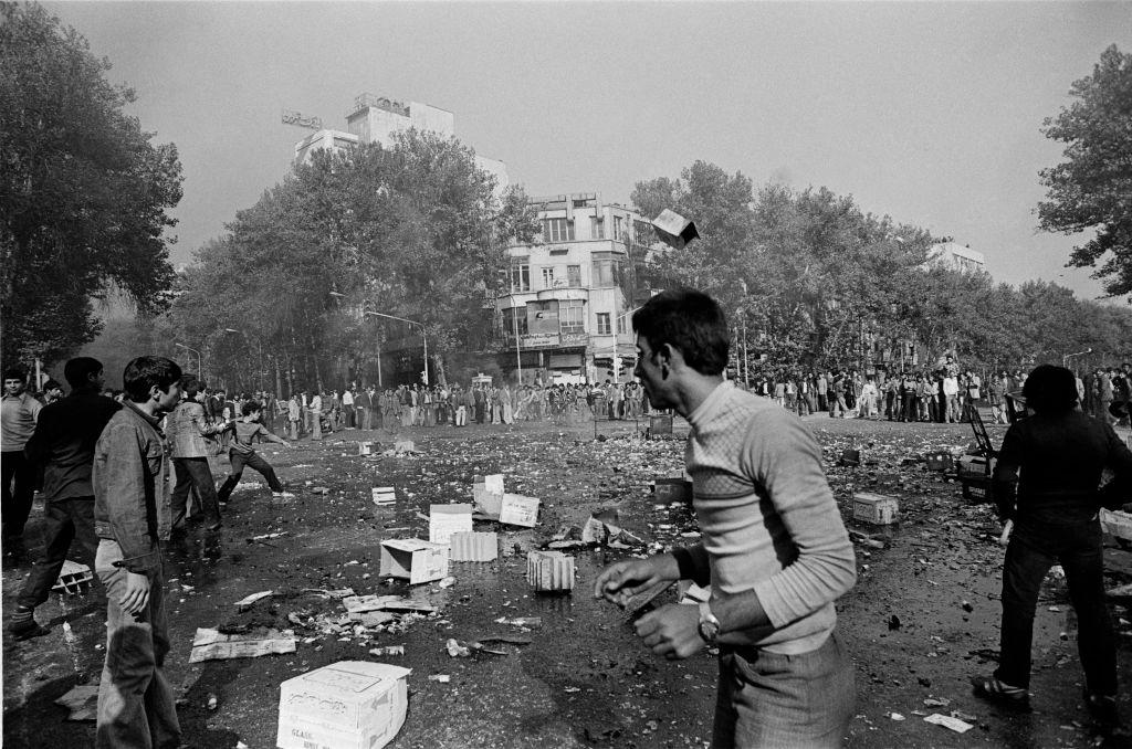 صورة لمظاهرات مناوئة للشاه