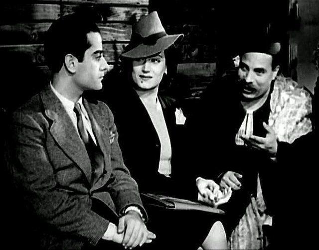 """أسمهان وفريد الأطرش والقصري في فيلم """"انتصار الشباب""""، إنتاج 1945. (موقع السينما.كوم)"""
