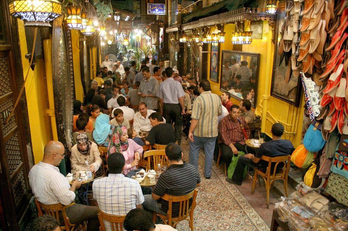 قهوة الفيشاوي بمنطقة الحسين حيث كانت الجلسة الأشهر لنجيب محفوظ (خاص.إندبندنت عربية)