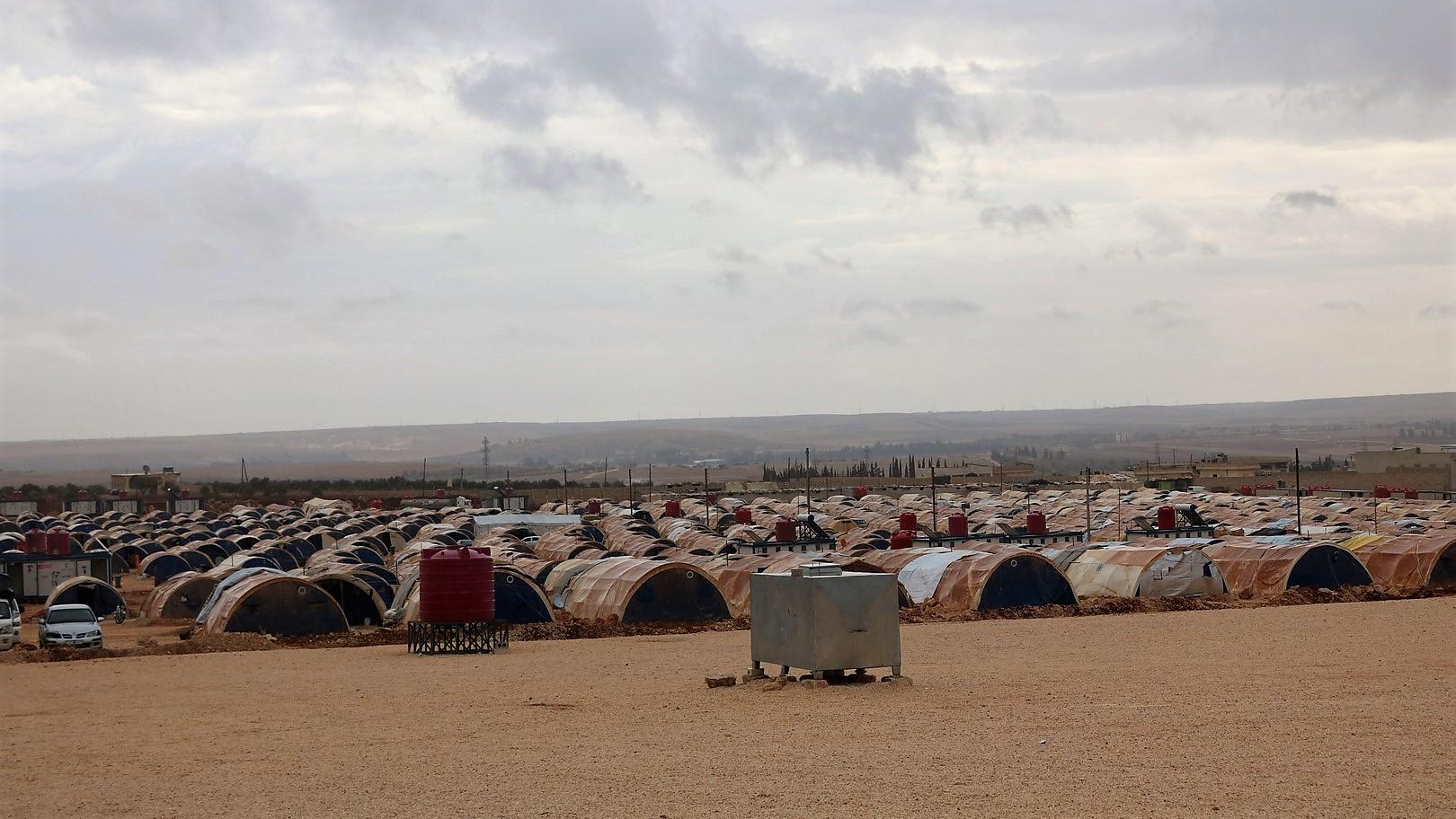 مخيم للنازحين قرب عفرين