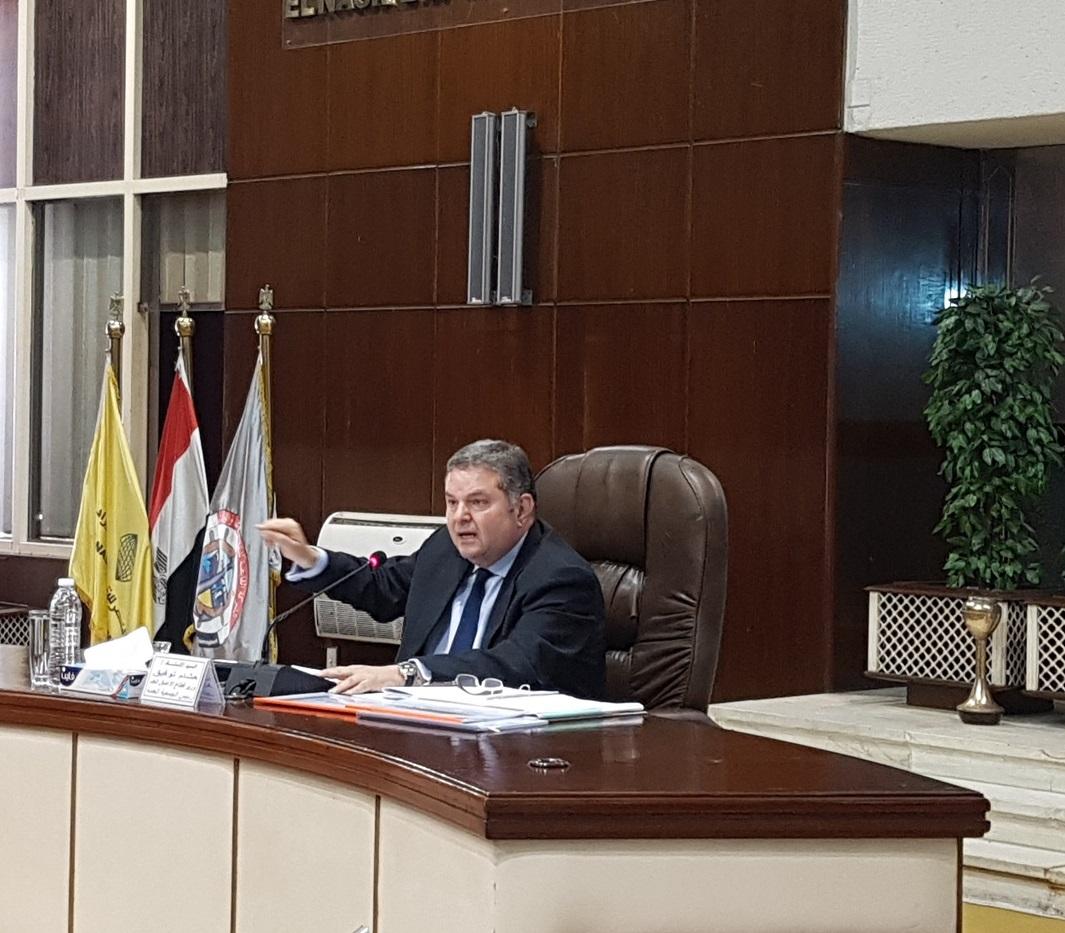 وزير قطاع الأعمال العام  المصري هشام توفيق (رويترز)