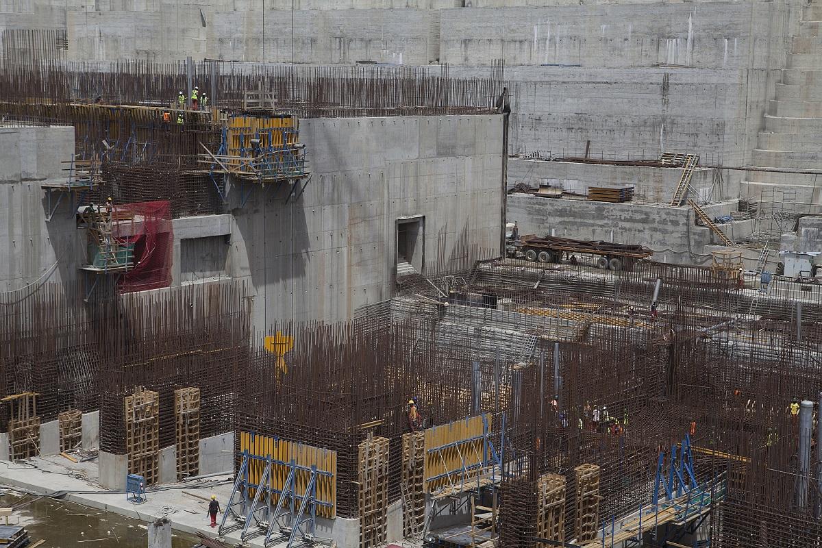 رغم تعثر عملية بناء السد إلا أن المخاوف المصرية لا تزال قائمة على حصتها بنهر النيل (أ.ف.ب.)