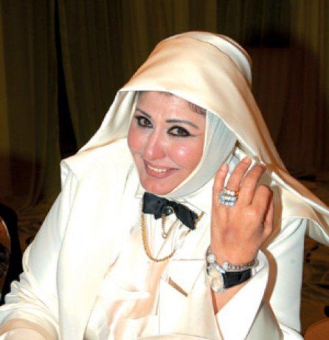 نفت سهير رمزي أن يكون ارتداء الحجاب في فترة سابقة من حياتها بسبب نصيحة من الشيخ محمد متولي الشعراوي. (إندبندنت عربية)