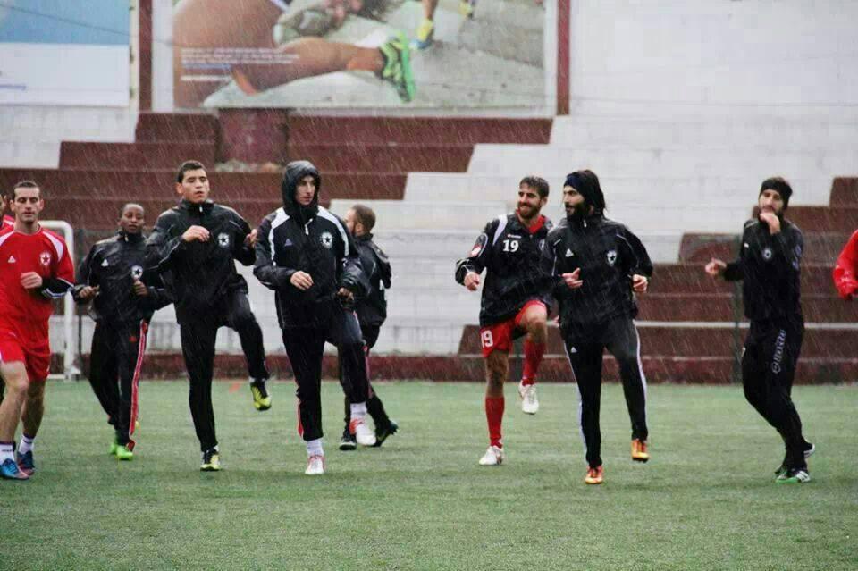 فريق النجمة اللبناني خلال أحد التدريبات بملعبه (الصفحة الرسمية للنادي)