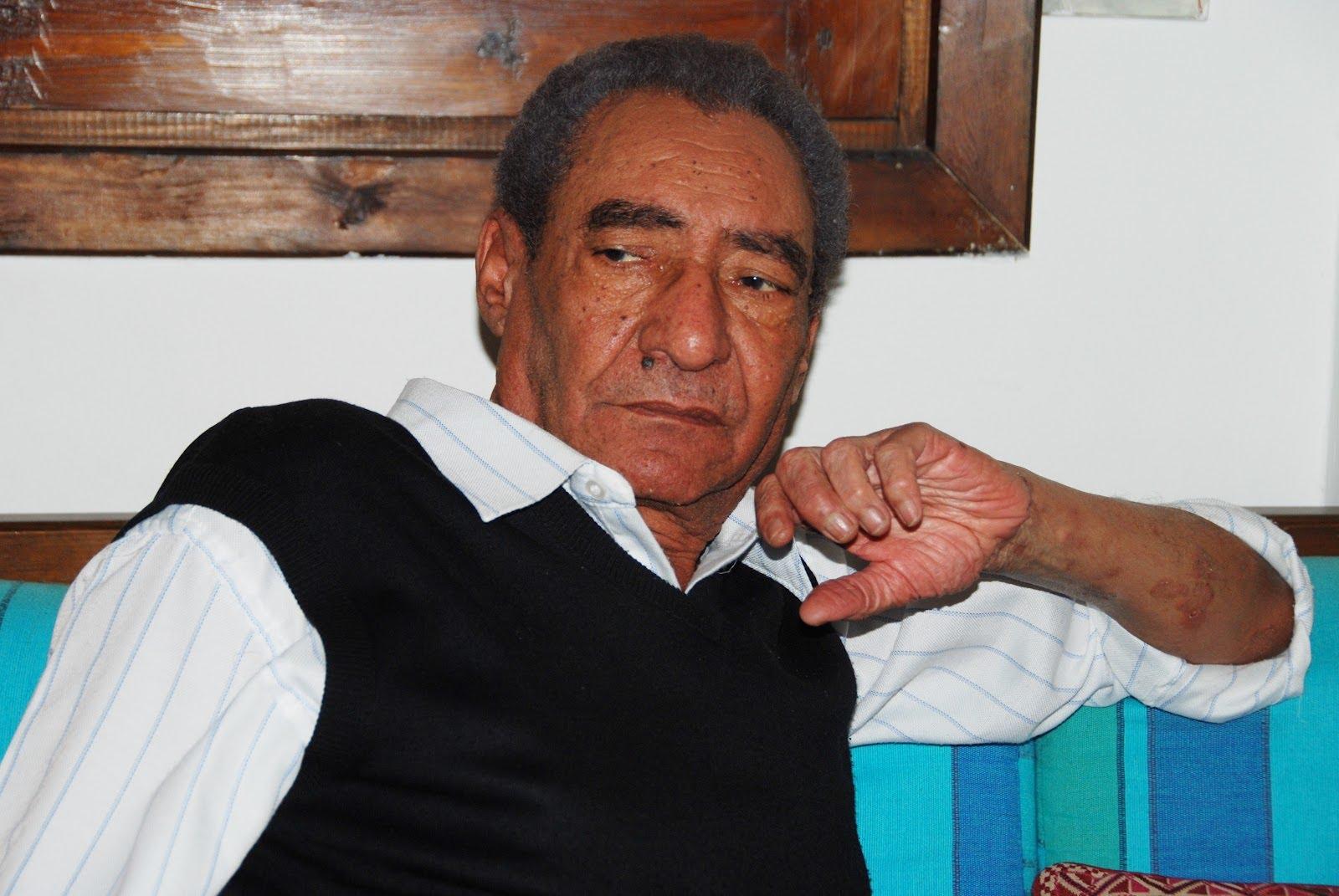 شاعر العامية المصرية الكبير عبد الرحمن الأبنودي (وكيميديا)