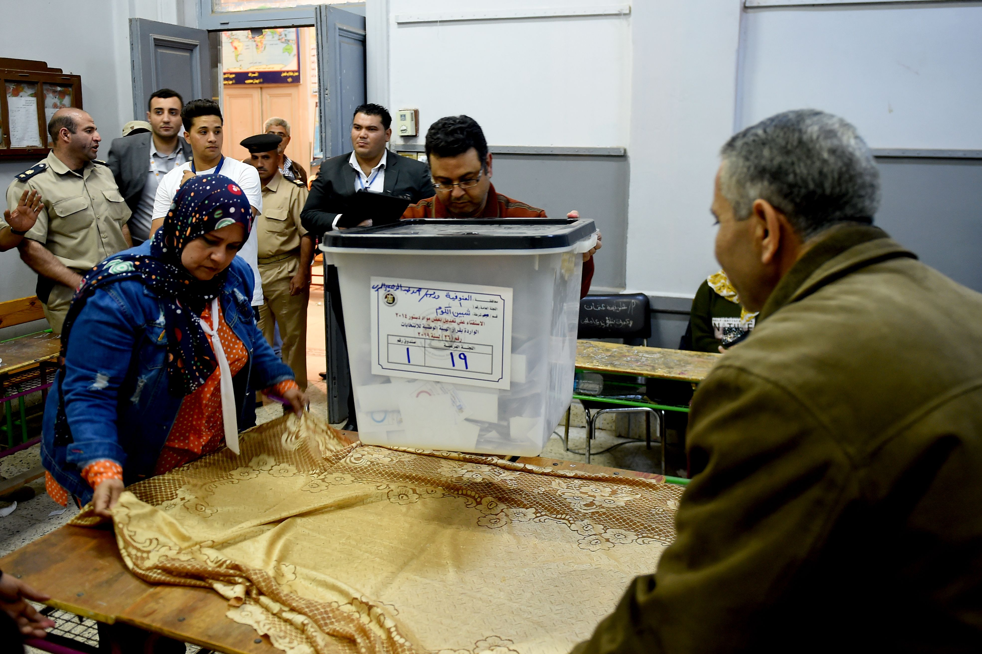 التصويت استمر 3 أيام وسط متابعة من مختلف منظمات المجتمع المدني ووسائل الإعلام المحلية والدولية (أ.ف.ب)