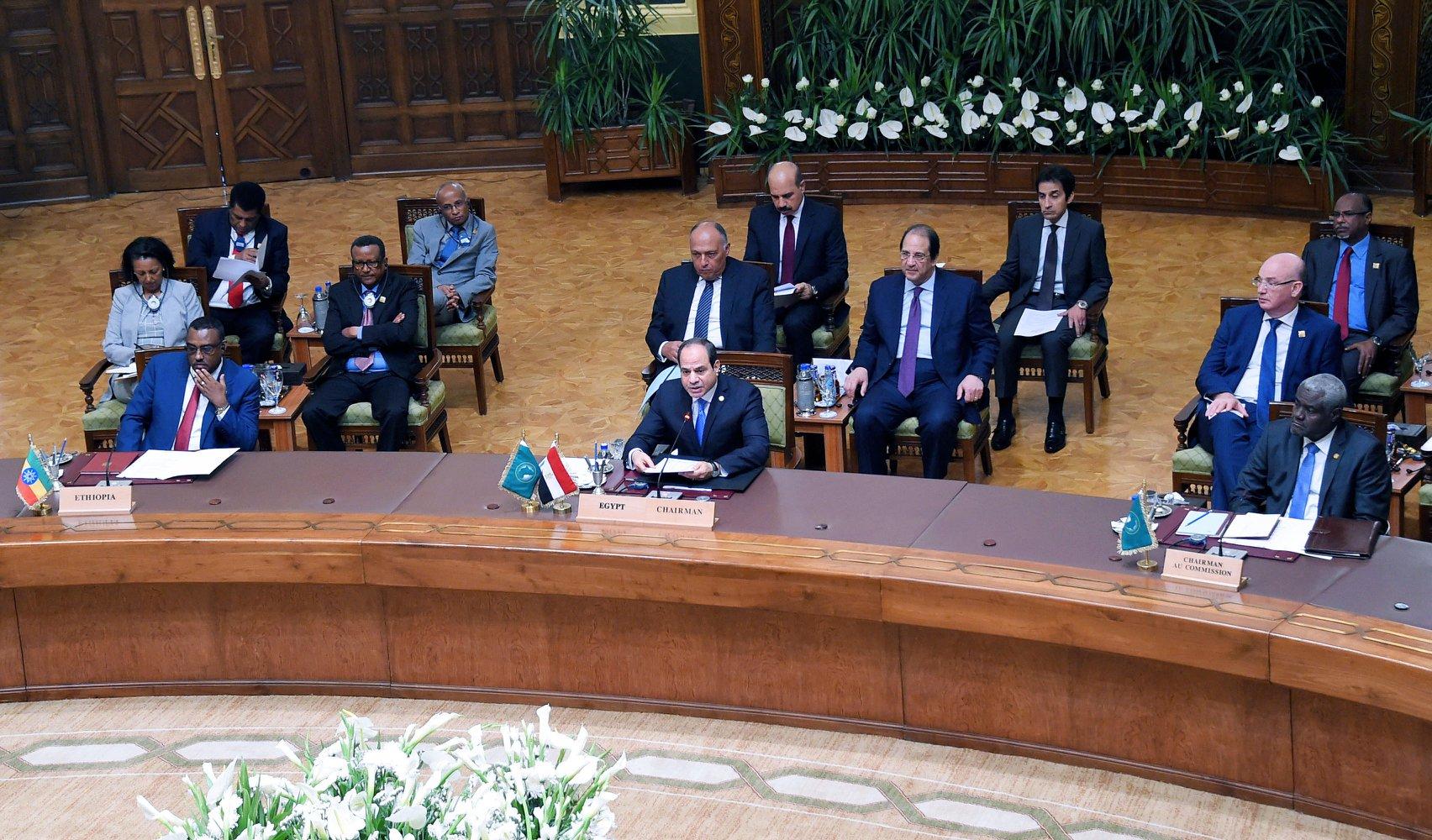 الرئيس المصري عبد الفتاح السيسي يترأس القمة الأفريقية الطارئة بالقاهرة لمناقشة تطورات السودان (الصفحة الرسمية لمتحدث الرئاسة المصرية على فيسبوك)