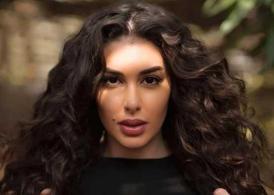 """تشارك الفنانة ياسمين صبري بمسلسل """"حكايتي"""" في أول بطولة مطلقة لها في الدراما (الصفحة الرسمية لياسمين على فيسبوك)"""