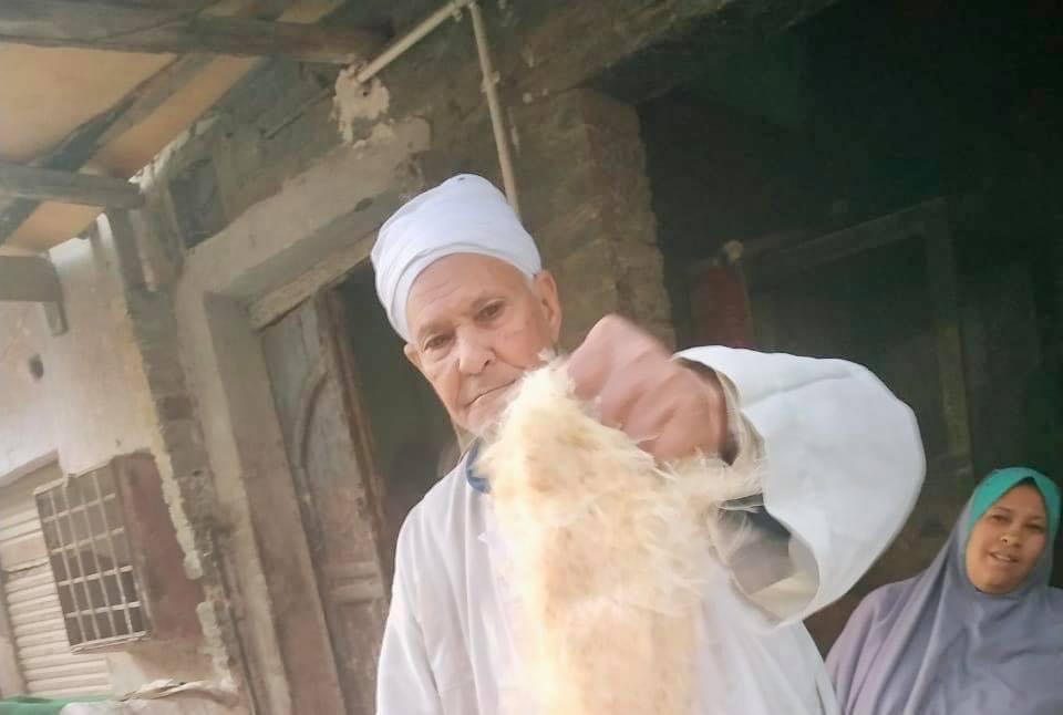 تنتشر الأفران الطينية في رمضان  والتي تُصنع فيها الكنافة البلدية السميكة التي يعشقها الكثيرون (إندبندنت عربية)