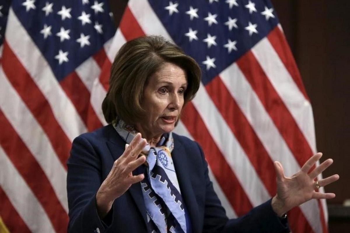 نانسي بيلوسي لا تنوي بدء إجراءات عزل ترمب في مجلس النواب (رويترز).jpg