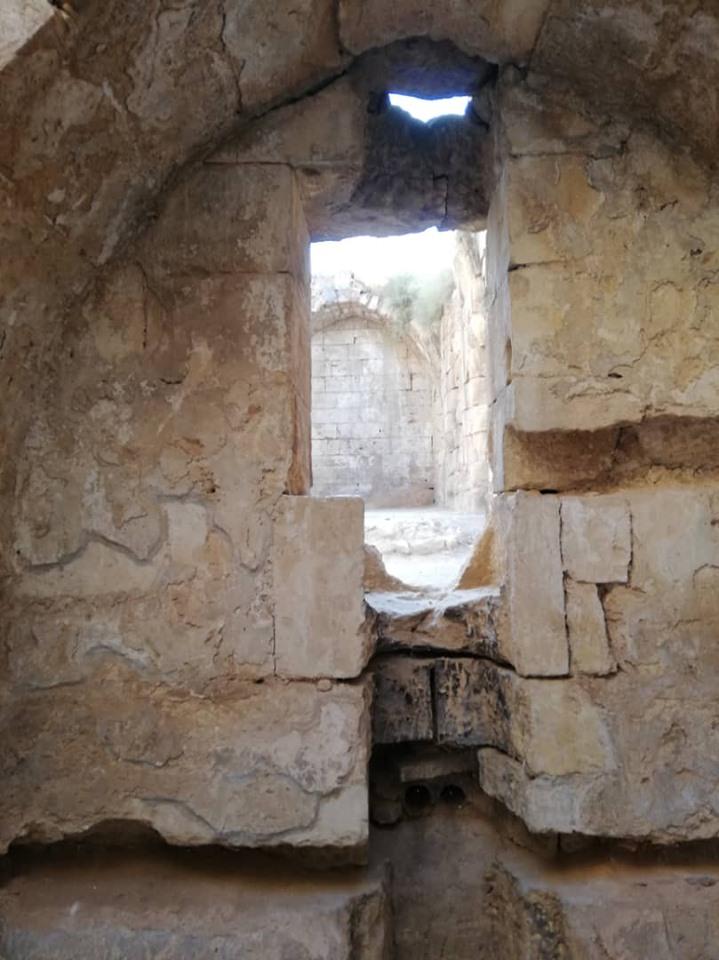 """لحقت بالقلعة أضرار جسيمة أبرزها في عهد تنظيم """"داعش"""" (اندبندنت عربية)"""