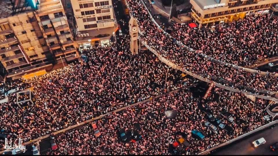 تظاهرة في جل الديب شمال بيروت هذه الليلة (Rod&Roy)