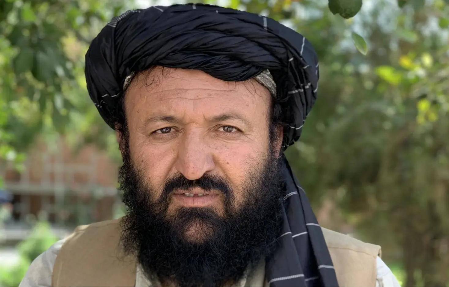 حتى قبل محاولة اغتياله، لم يتجاوب الإمام منظور مع دعوات من حركة طالبان للعودة إلى صفوفها