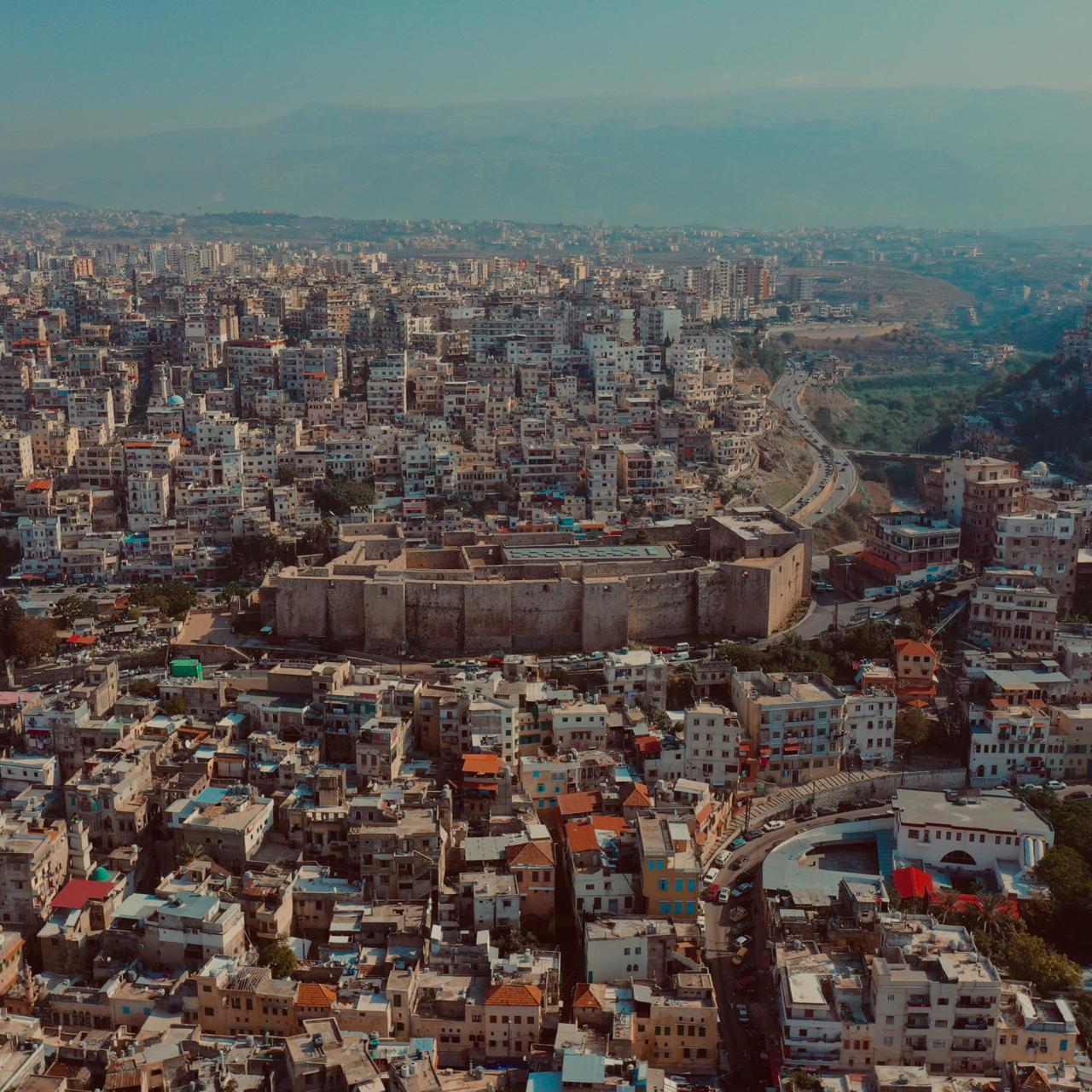 مدينة طرابلس بعد إزالة صور السياسيين (عمر العمادي)