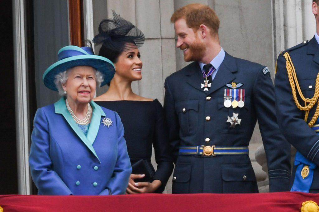 هل صارت ألفة العائلة المالكة البريطانية جزءاً من تاريخ مضى وانقضى؟