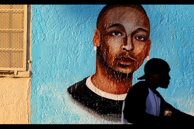 جدارية تخلد ذكرى إيزيل فورز (لوس أنجلوس تايمز).jpg