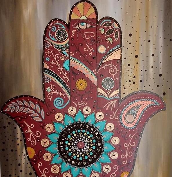 رسم رموز واشكال حرة على شكل ماندالا لديما حمادة- اندبندنت عربية.jpg