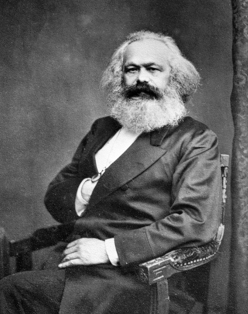 1200px-Karl_Marx_001.jpg