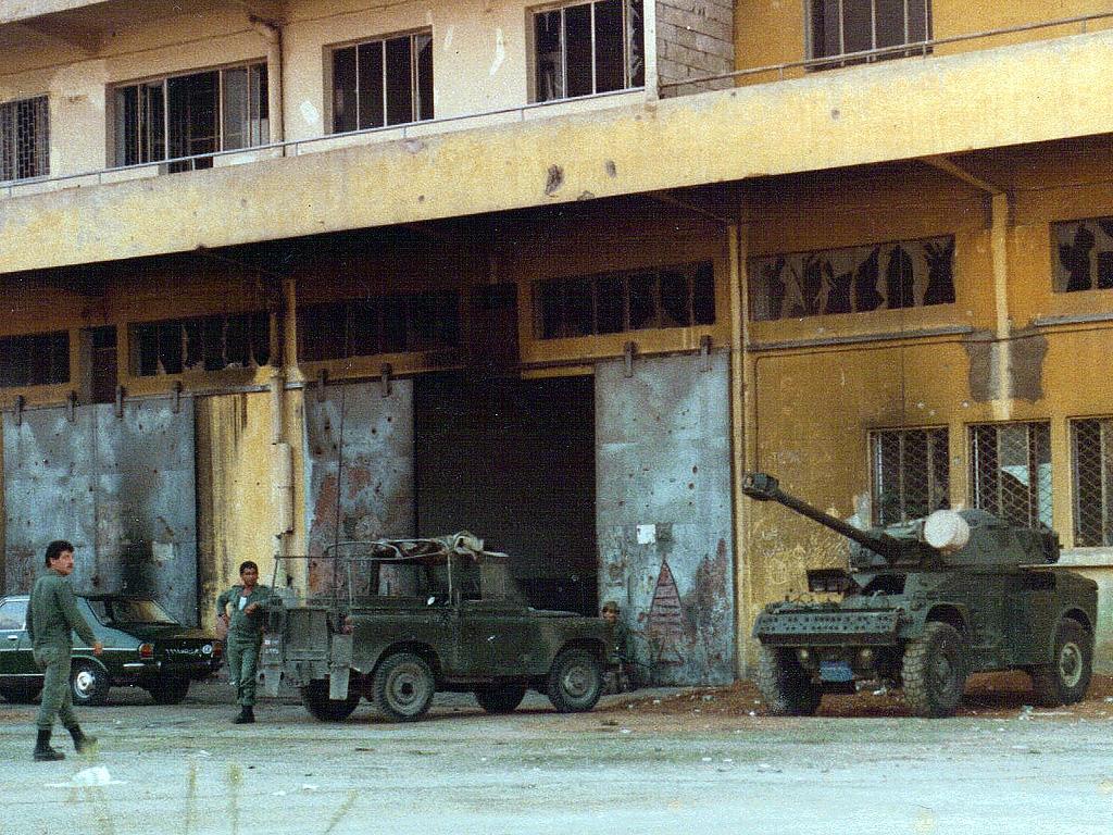 Lebanese_Army,_Beirut,_Lebanon_1982.jpg