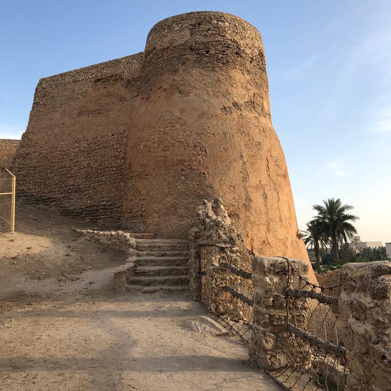 ( اندبندنت عربية - محمد الشبيب) جانب من قلعة  جزيرة تاروت التي تقع شرق السعودية.jpg