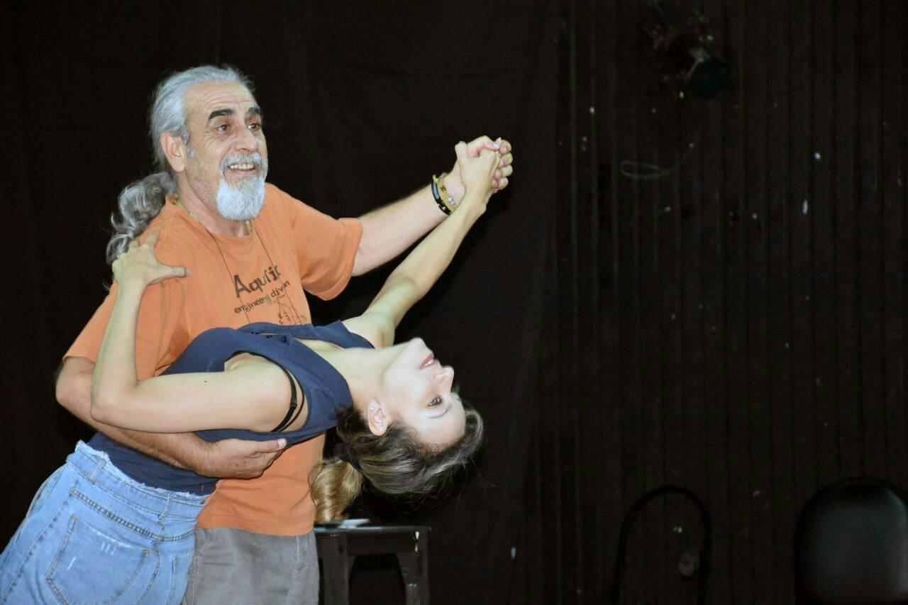 لقطة من مسرحية رقصة الموت الأخيرة على مسرح القباني.jpg