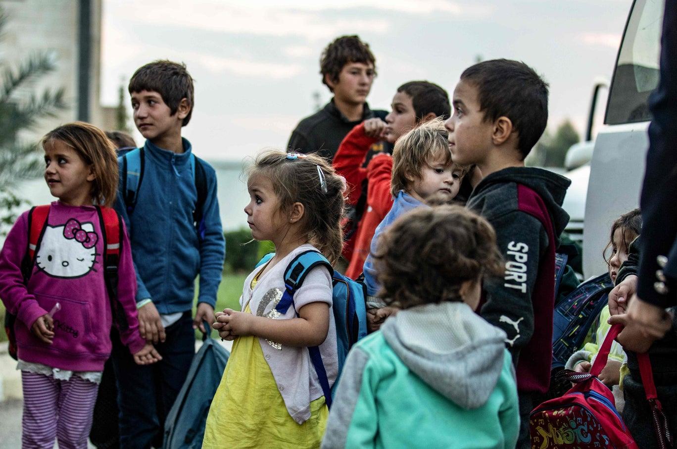 يقطن مخيم الدواعش عدد كبير من السوريين والعراقيين وجنسيات أخرى (غيتي)