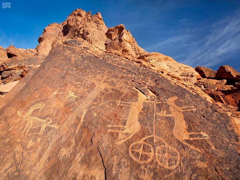 تضم مدائن صالح شمال غربي البلاد نقوش وكتابات أثرية تعود إلى عصور ما قبل الإسلام. (واس)