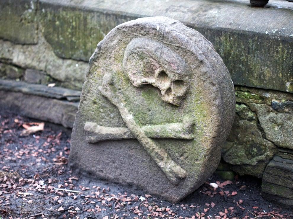 قبر في أدنبرة بإسكتلندا يعود إلى زمن جائحة الطاعون خلال القرون الوسطى