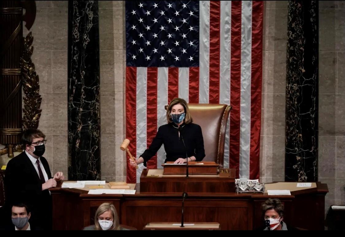 تقود رئيسة مجلس النواب نانسي بيلوسي جهود عزل ترمب للمرة الثانية. (أ.ف.ب).jpg