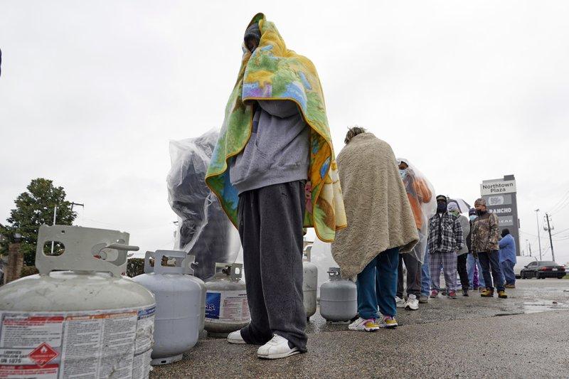 سكان ولاية تكساس عانوا انقطاع الكهرباء والمياه وسط برد قارس (ا ب).jpeg