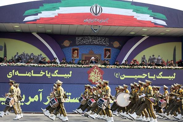 أثرت العقوبات الدولية على مر العقدين الماضيين على تطوير القوات المسلحة الإيرانية (غيتي)