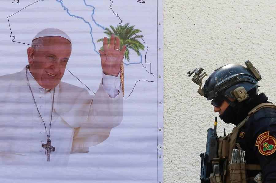 البابا.jpg