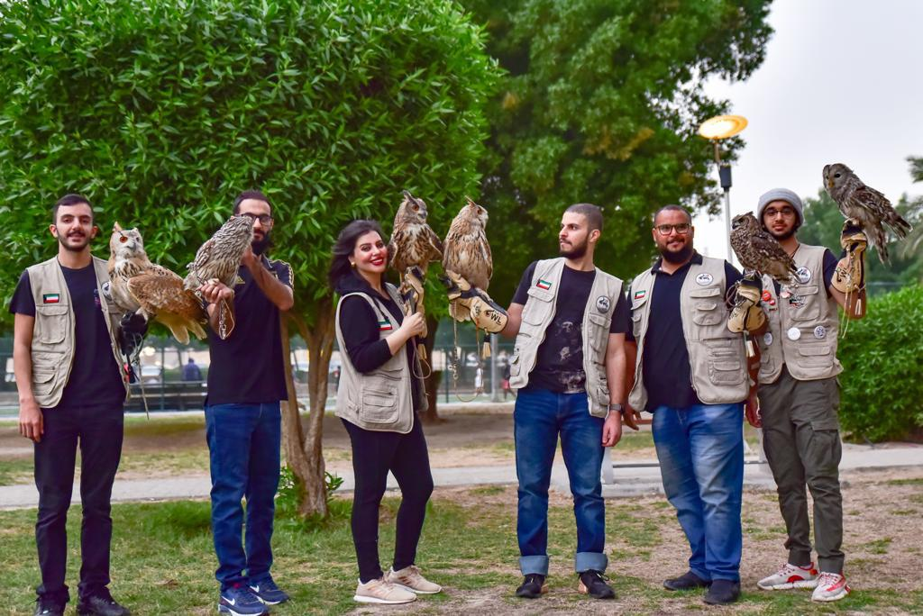 صور لفريق البوم التطوعي ضمن الفعالية التي نظموها في الكويت (فريق البوم التطوعي)