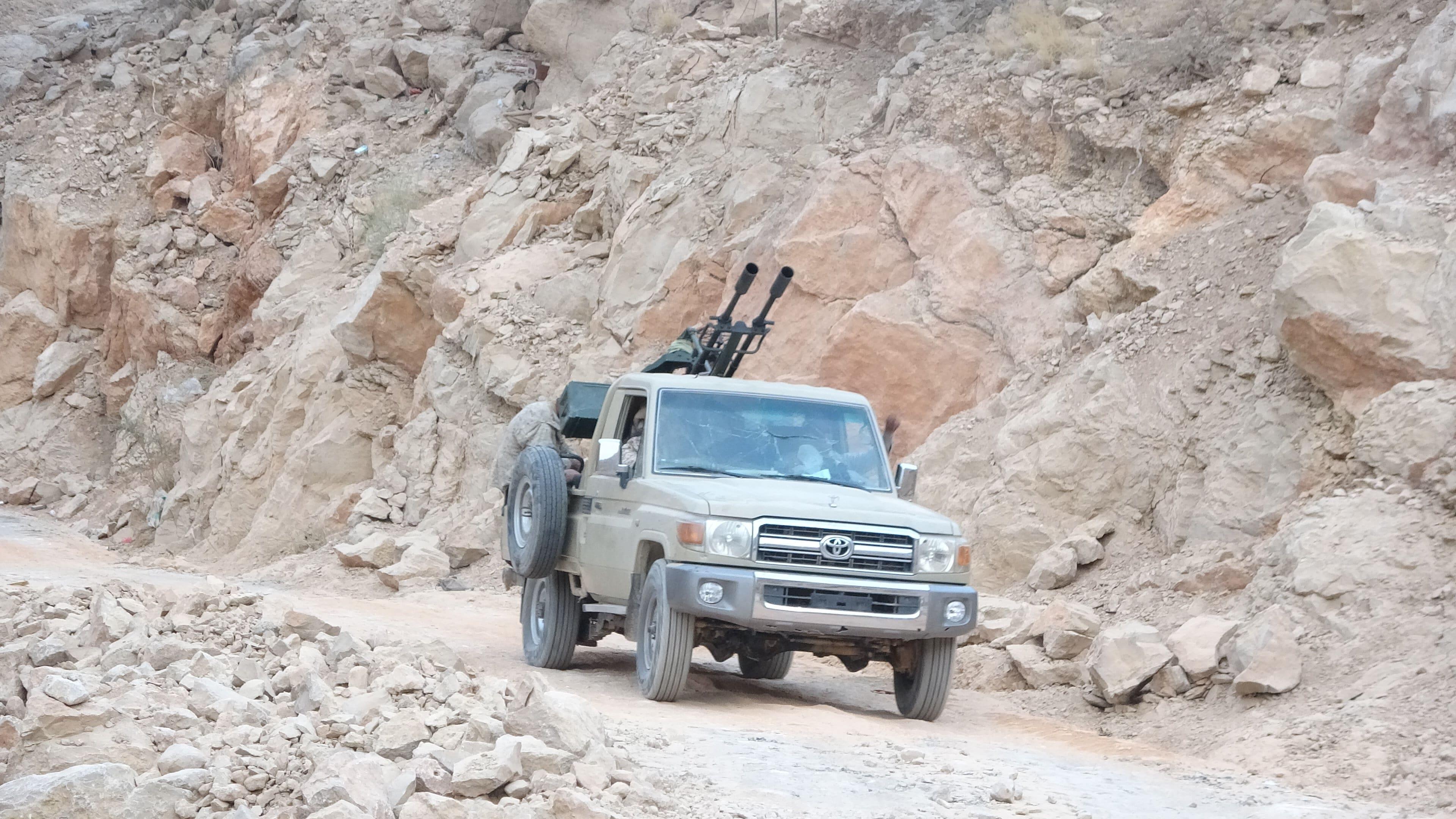 قوات الشرعية تنجح في استعادة مواقع استراتيجية من الحوثي (اندبندنت عربية | هشام الشبيلي)