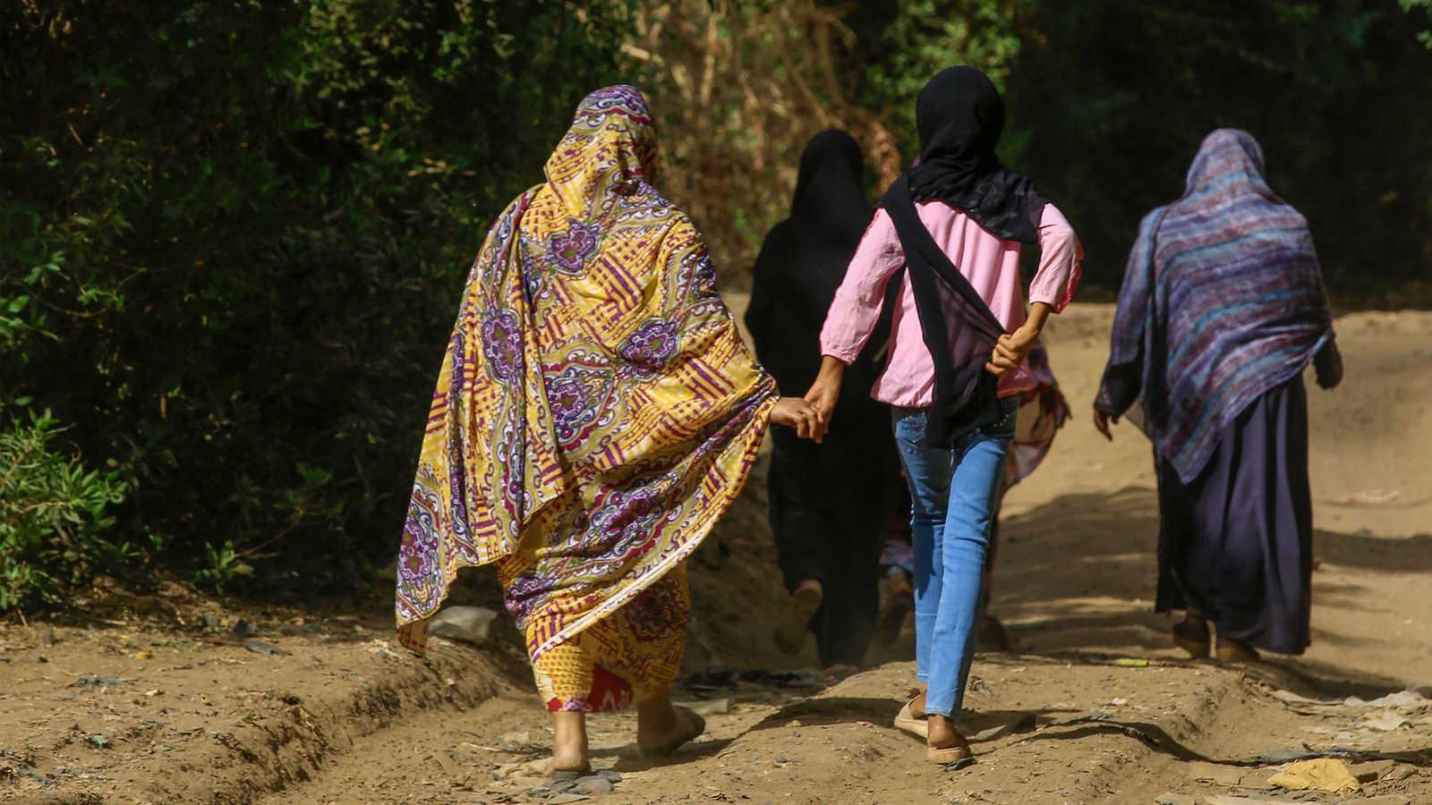 المرأة في دارفور السودانية ضحية العنف الذي خلفه الحرب (أ ف ب)