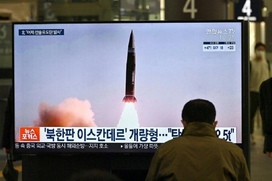 عرض التجارب الصاروخية الأخيرة لبيونغ يانغ في محطة قطارات كورية شمالية (أ ف ب).jpg