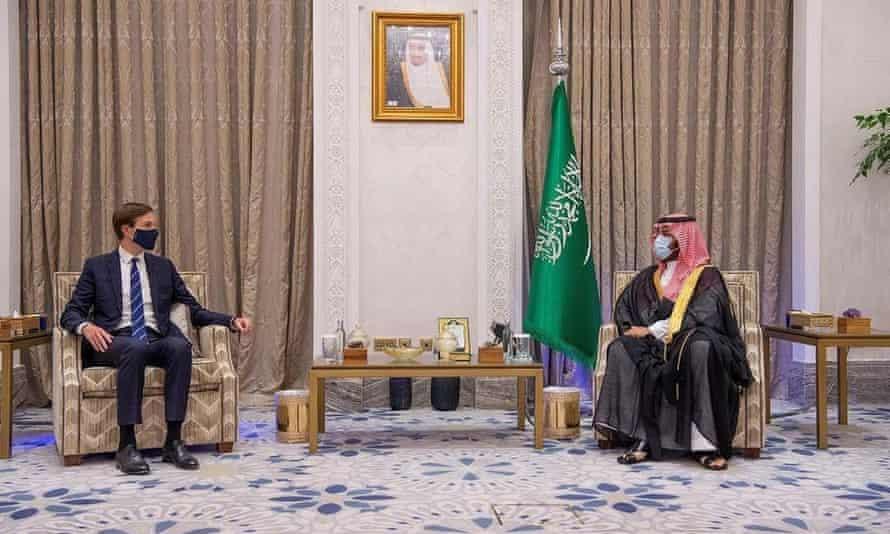 عرفت العلاقة بين ولي العهد السعودي وجاريد كوشنر بالقوية (أ ب)