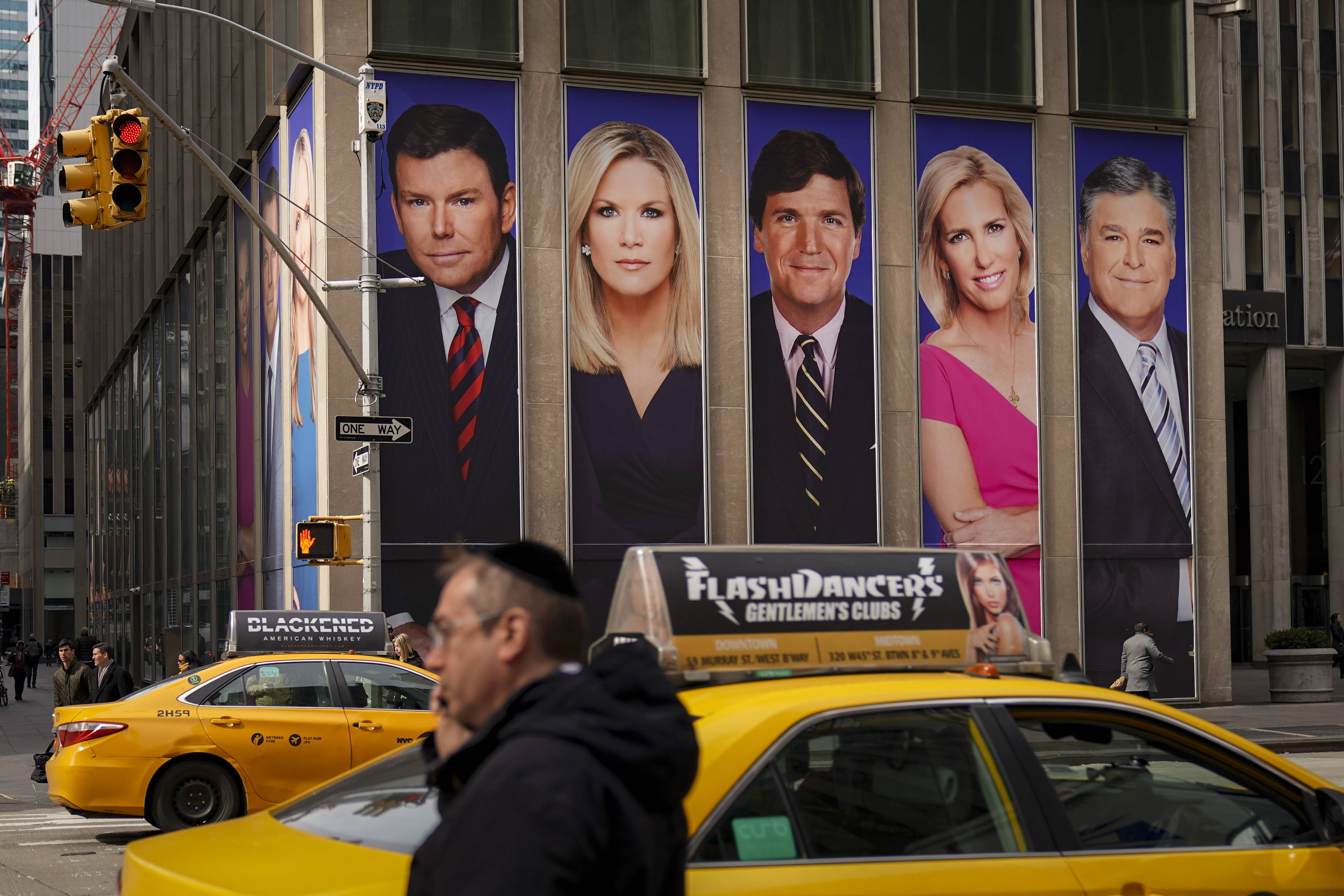 """يتمتع مذيعو """"فوكس نيوز"""" بشعبية واسعة ومؤثرة في الولايات المتحدة"""