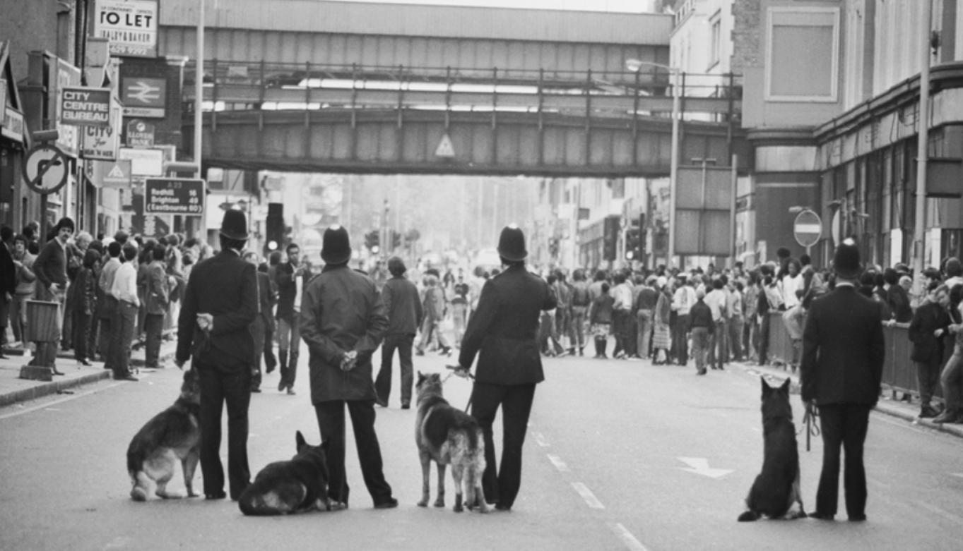 الشرطة أول من طاولتها اتهامات العنصرية المؤسساتية إبان انتفاضة بريكستون 1981