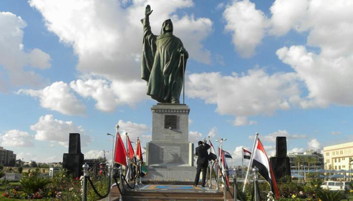 تمثال الشيخ زايد في الجيزة بمصر (وام)