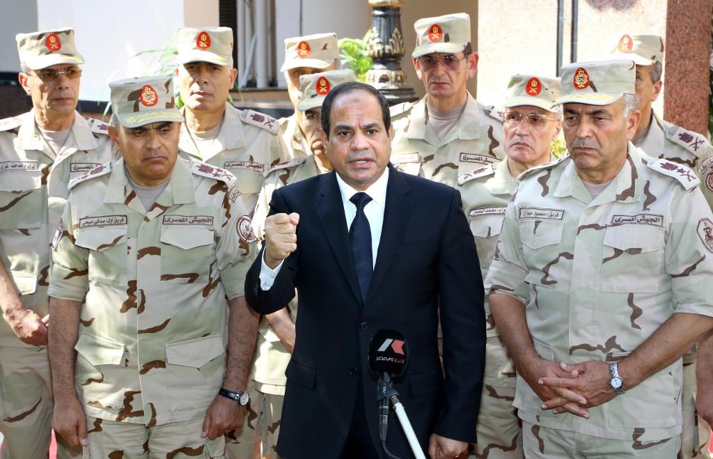 السيسي وقادة الجيش - أ ف ب.jpg