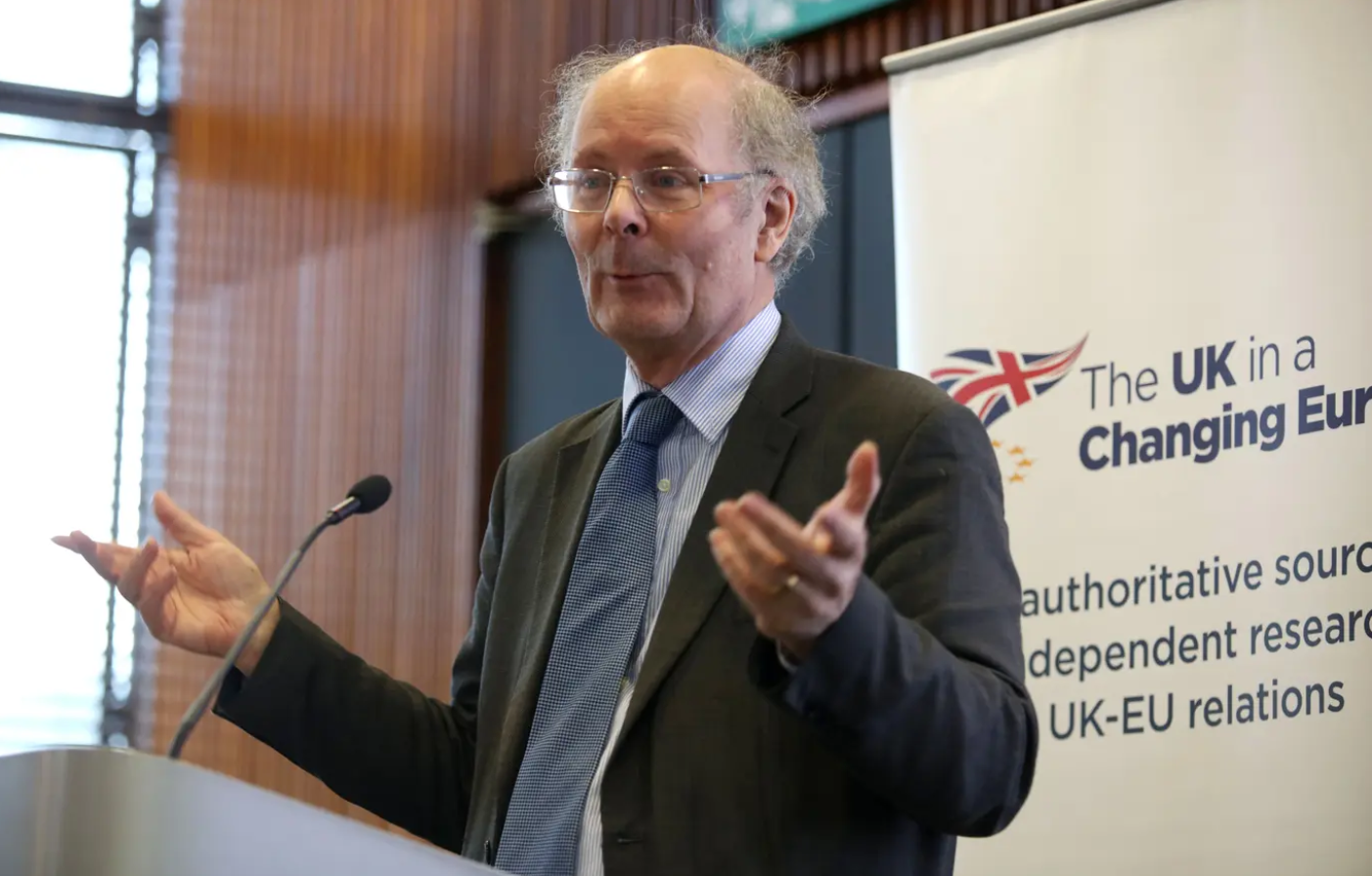 جادل المفكر السياسي العمالي جون كيرتس ضد فكرة إعادة تموضع الطبقات سياسيّاً لكن بريكست غيّر تلك الأفكار